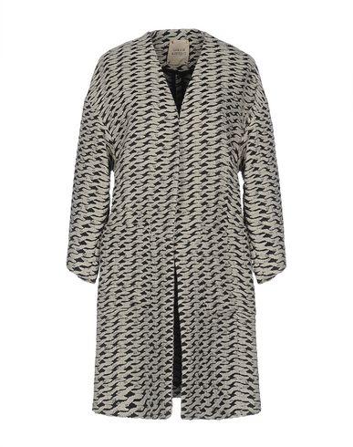 Легкое пальто от GARAGE NOUVEAU