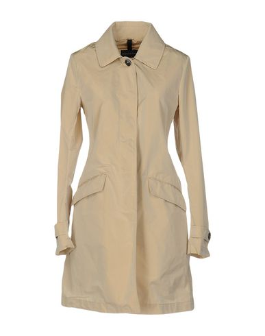 Легкое пальто от AQUARAMA