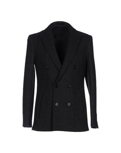 Пальто от ZSAINT