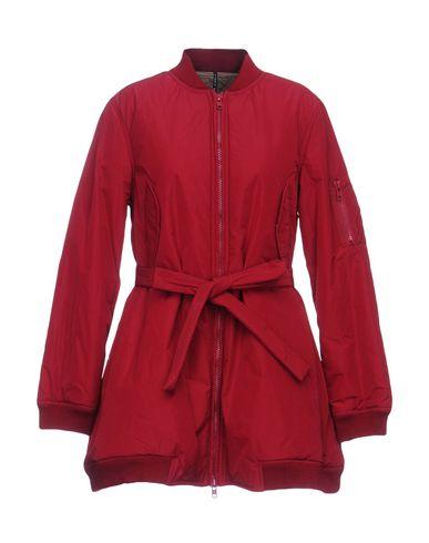Фото - Легкое пальто красного цвета