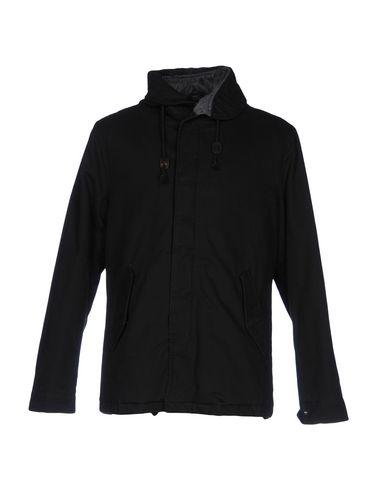 Купить Мужскую куртку INDIVIDUAL черного цвета