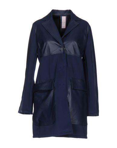 Пальто от B.FOR