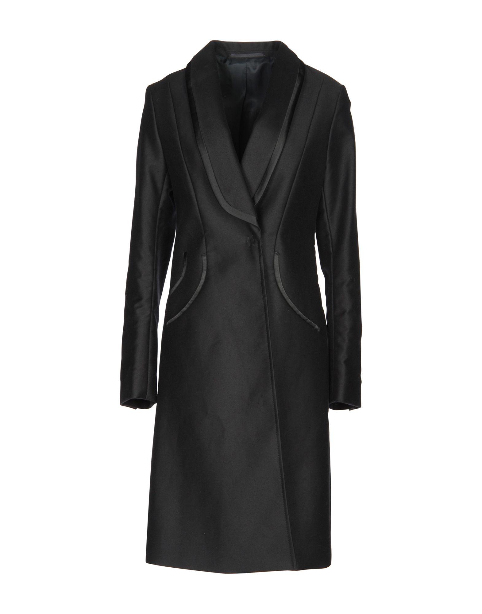 CLEMENS EN AUGUST Coat in Black