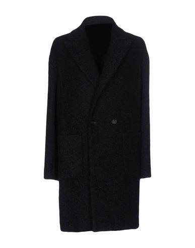 Пальто от FUTURO