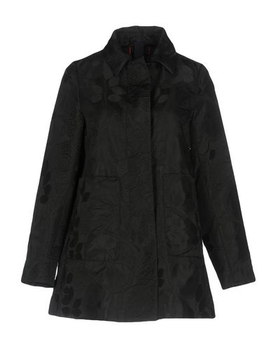 Легкое пальто от FEMME