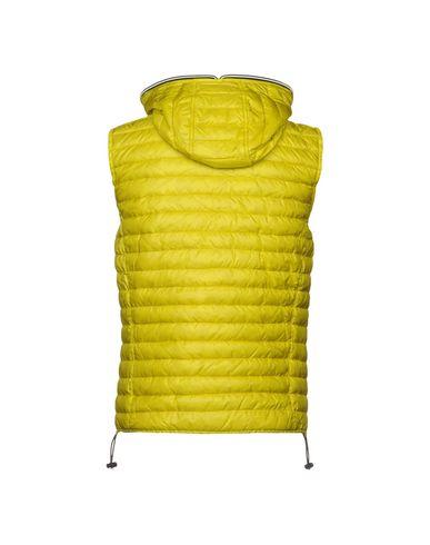 Фото 2 - Мужской пуховик  желтого цвета