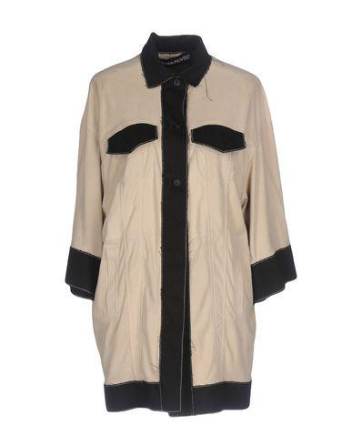 Фото - Женскую куртку COLLECTION PRIVĒE? бежевого цвета