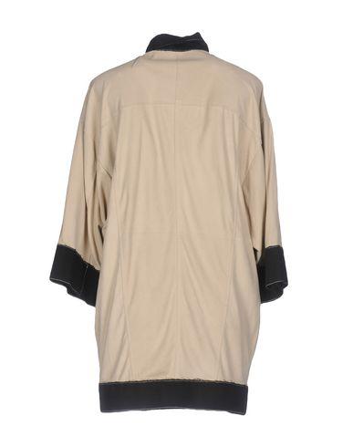 Фото 2 - Женскую куртку COLLECTION PRIVĒE? бежевого цвета