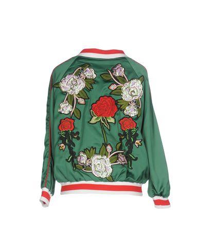 Фото 2 - Женскую куртку MUST зеленого цвета
