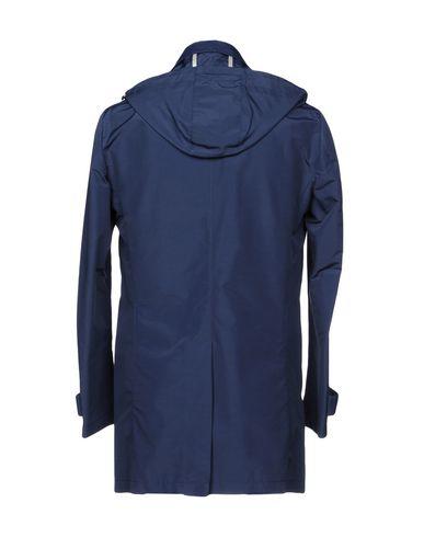 Фото 2 - Легкое пальто от BRIAN DALES темно-синего цвета
