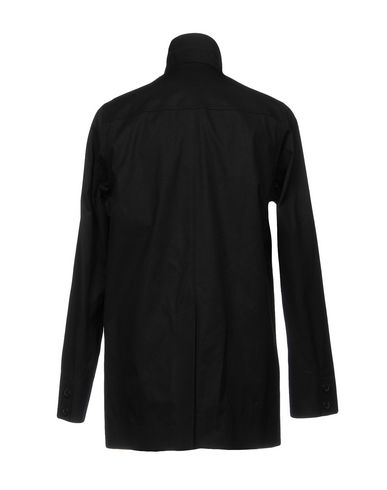 Фото 2 - Легкое пальто черного цвета