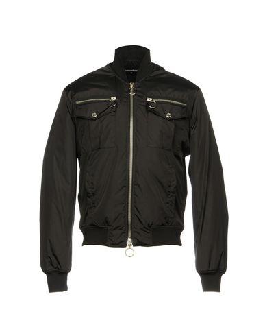 Купить Мужскую куртку  черного цвета