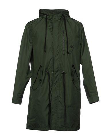 Фото - Легкое пальто темно-зеленого цвета