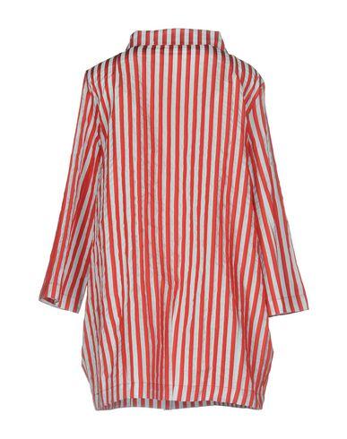 Фото 2 - Легкое пальто от BIANCOGHIACCIO красного цвета