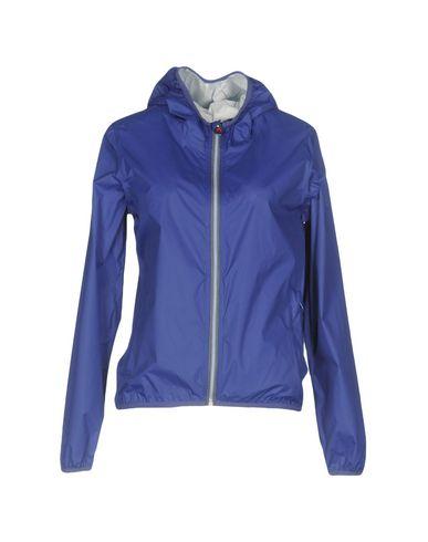 Фото - Женскую куртку  темно-фиолетового цвета