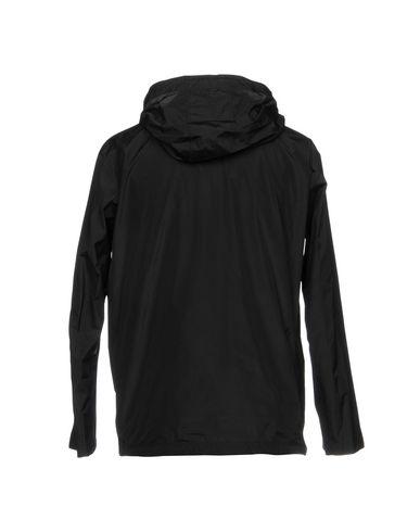 Фото 2 - Мужскую куртку  черного цвета