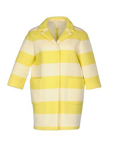 Фото - Легкое пальто желтого цвета
