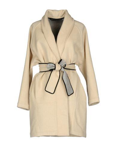 Купить Женское пальто или плащ TY-LR бежевого цвета