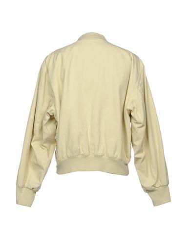Фото 2 - Мужскую куртку YEEZY бежевого цвета