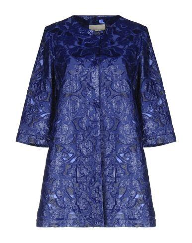 Фото - Легкое пальто ярко-синего цвета