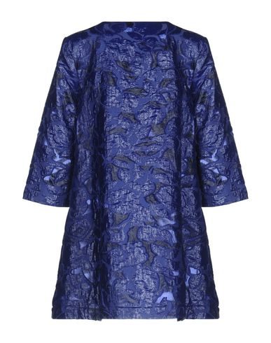 Фото 2 - Легкое пальто ярко-синего цвета