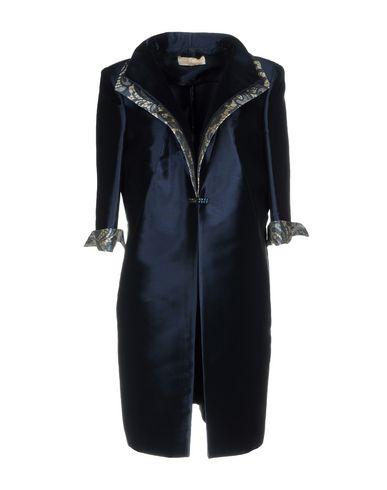 Легкое пальто от AMONREE
