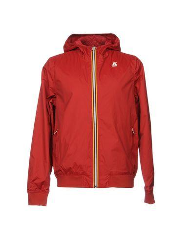 Фото - Мужскую куртку  кирпично-красного цвета