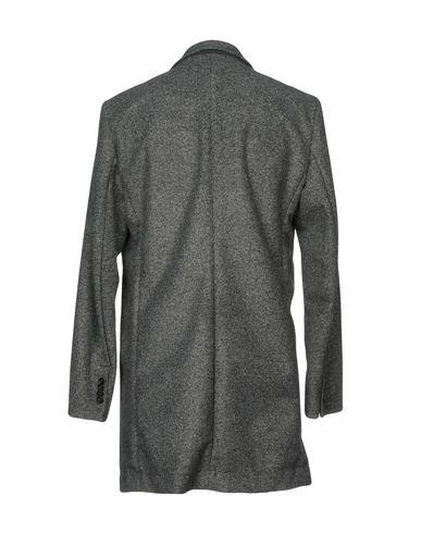 Фото 2 - Мужское пальто или плащ RRD серого цвета