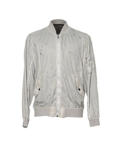 Фото - Мужскую куртку SOLD OUT светло-серого цвета