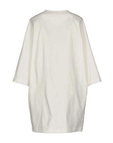 Фото 2 - Легкое пальто от SOALLURE белого цвета
