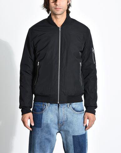Фото 2 - Мужскую куртку EDWA черного цвета