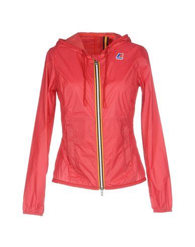 Фото - Женскую куртку  красного цвета