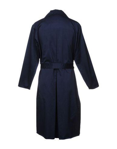 Фото 2 - Легкое пальто от BARENA темно-синего цвета