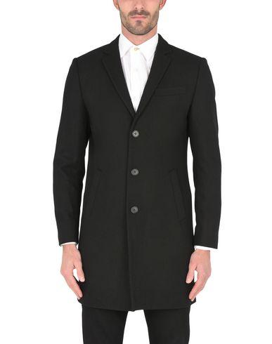 Фото 2 - Мужское пальто или плащ  черного цвета