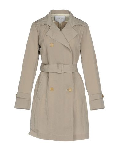 Легкое пальто от AGLINI