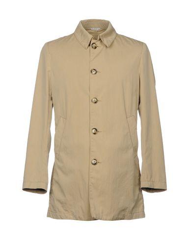 Фото - Легкое пальто бежевого цвета