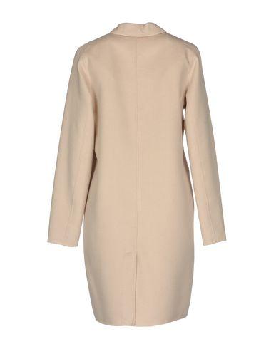Фото 2 - Женское пальто или плащ JAN MAYEN бежевого цвета
