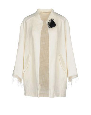 Легкое пальто от FOUDESIR