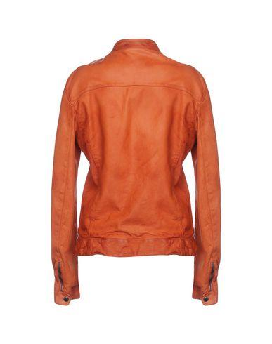 Фото 2 - Женскую куртку  ржаво-коричневого цвета