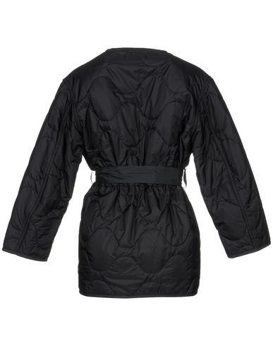 Фото 2 - Женскую куртку NILI LOTAN черного цвета