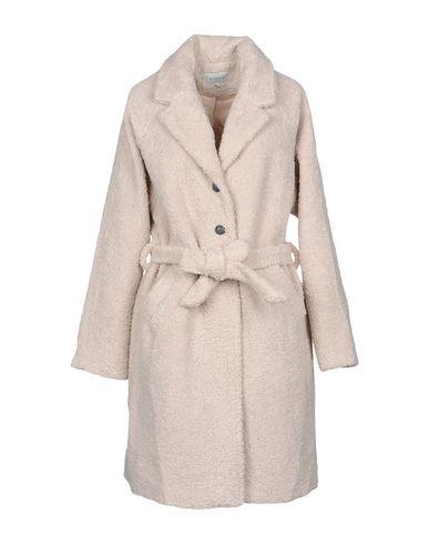 Пальто от FRNCH