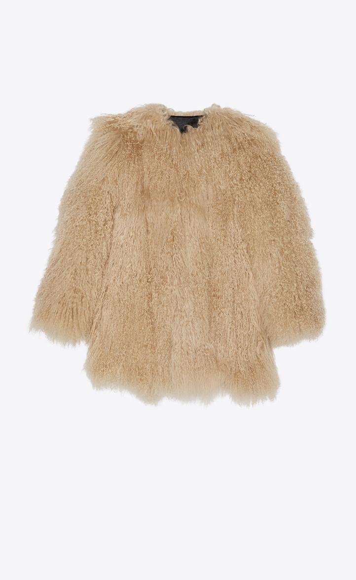 Manteau en fourrure de chèvre beige