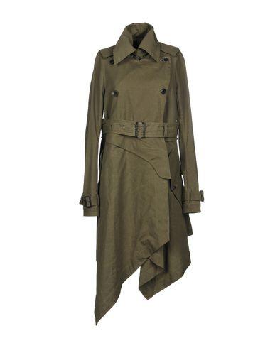Легкое пальто от L.G.B.