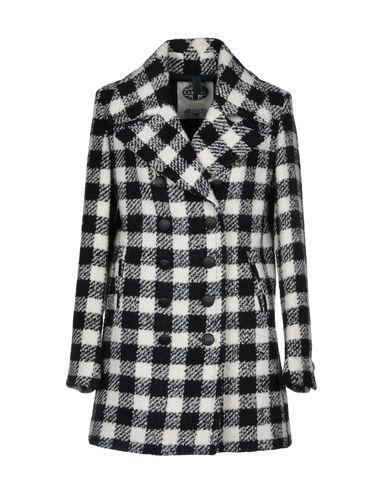 Пальто от CAMPLIN