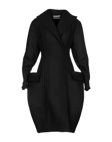 Пальто от JACQUEMUS