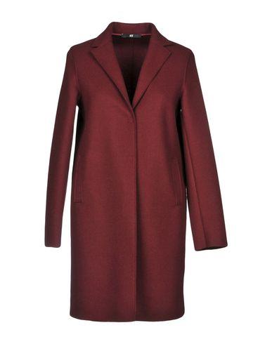 Легкое пальто от F.IT