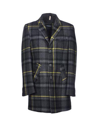 Фото - Мужское пальто или плащ DANIELE KALAMARI New York кислотно-зеленого цвета