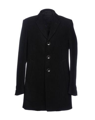 Пальто от IVERGANO