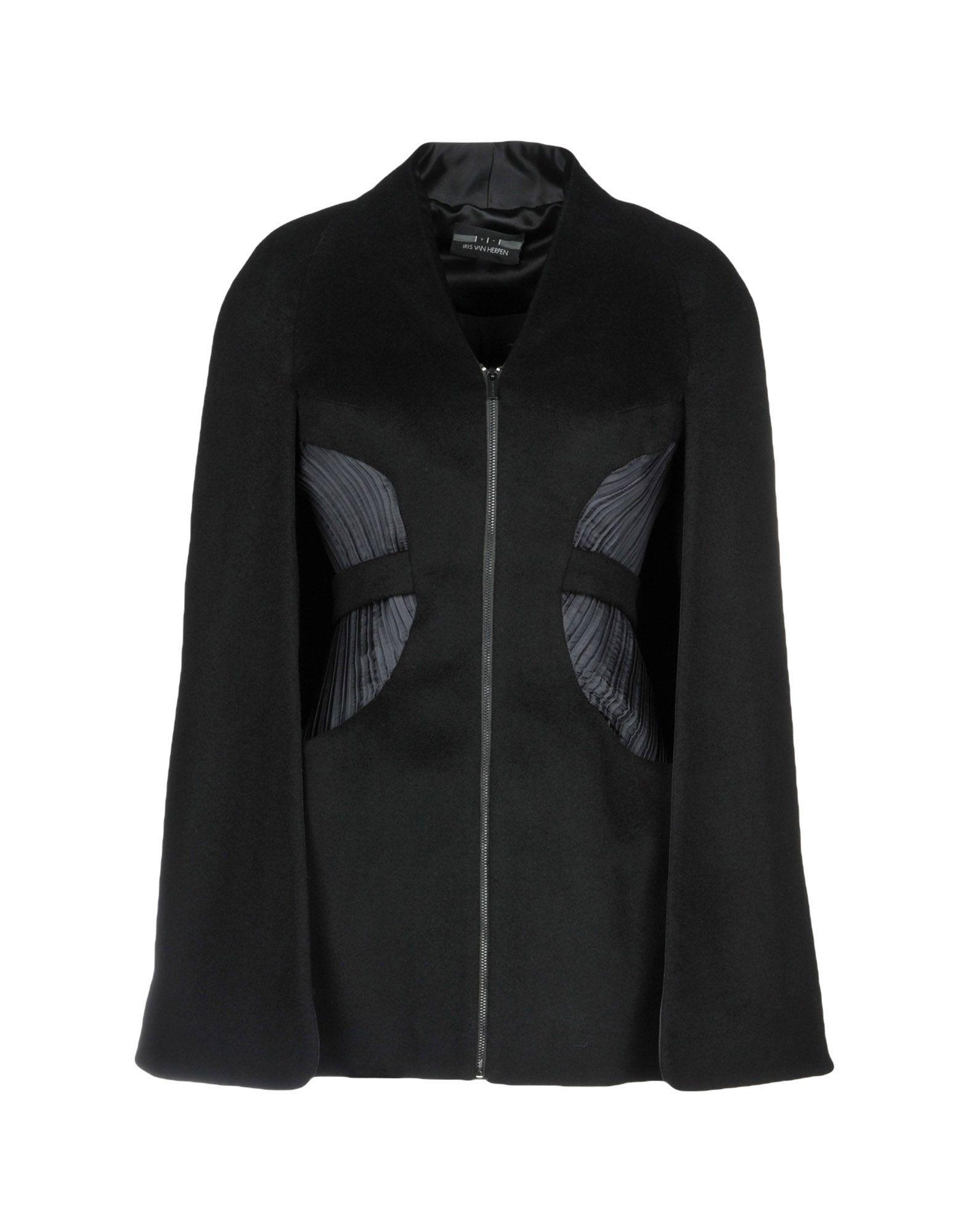 где купить IRIS VAN HERPEN Пальто по лучшей цене