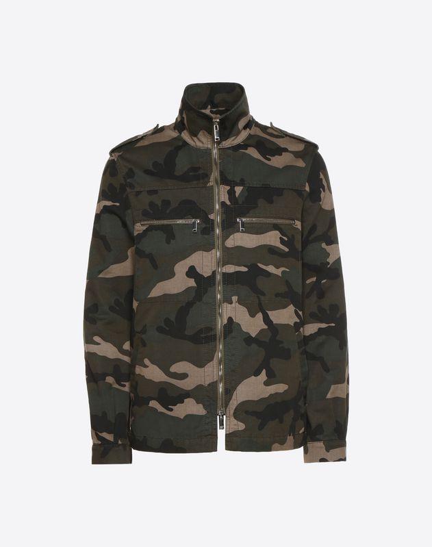 Outerwear-Shirt mit Camouflage-Muster und buntem Herz
